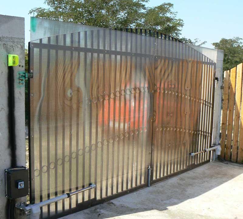 Распашные ворота недорого